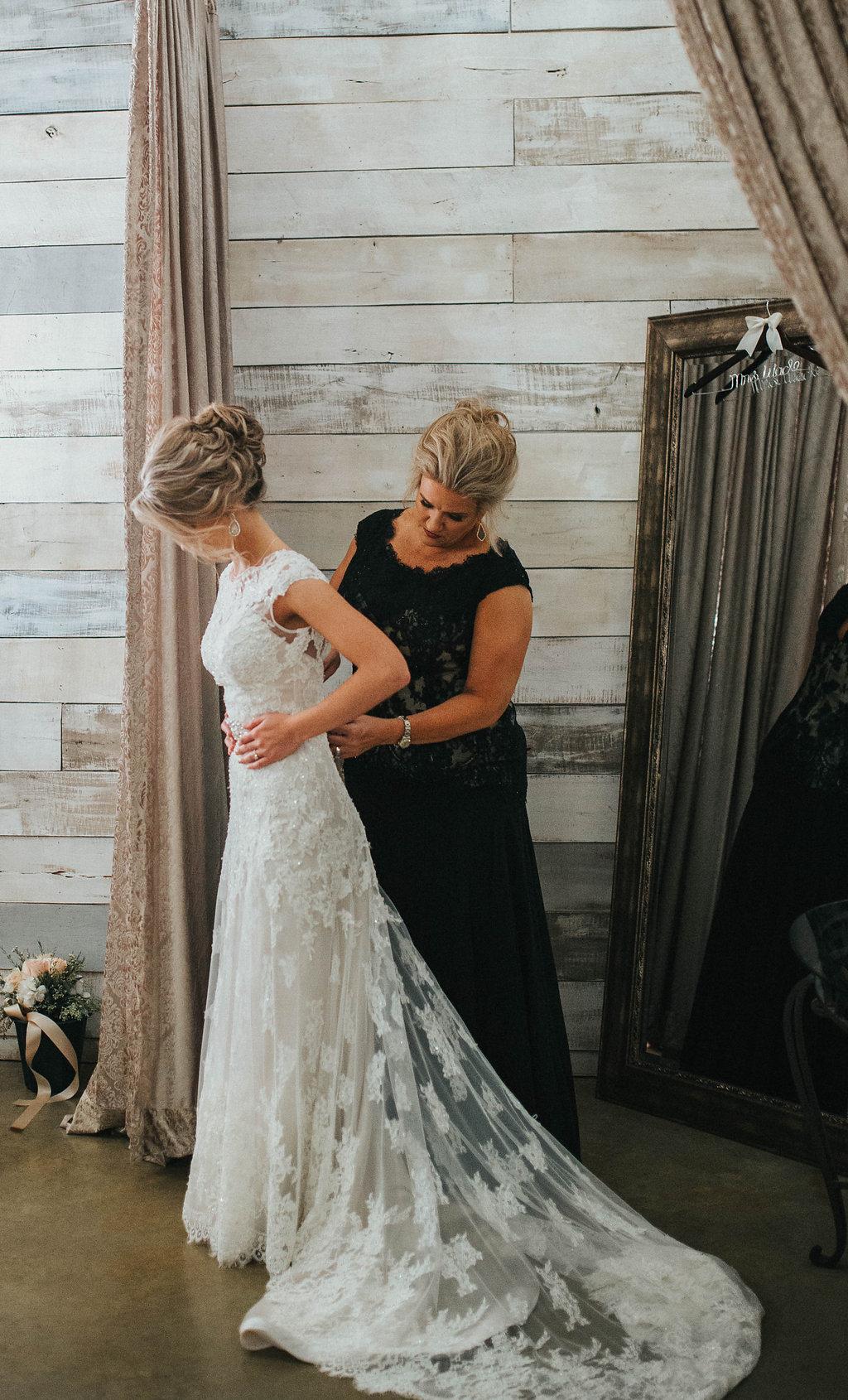 Real Weddings By Whittington Bridal Haley Sears Bridal Shop Houston Tx Whittington Bridal